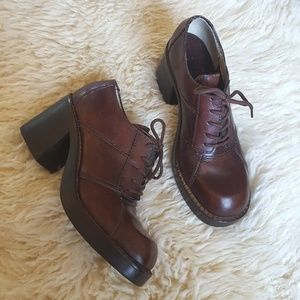 Vintage 90's Leather Chunky Heel Lace-Up Oxfords